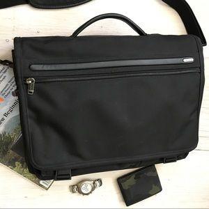 TUMI-Briefcase-Shoulder Bag 💼